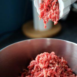 Que choisir, hachoir à viande manuel ou électrique ?