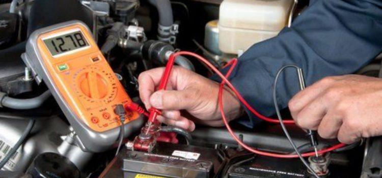 Voltmètre : l'indispensable à avoir dans sa boîte à outil